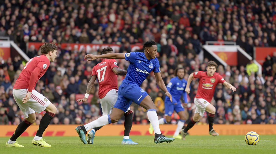 El Everton de Yerry Mina frena al Manchester United