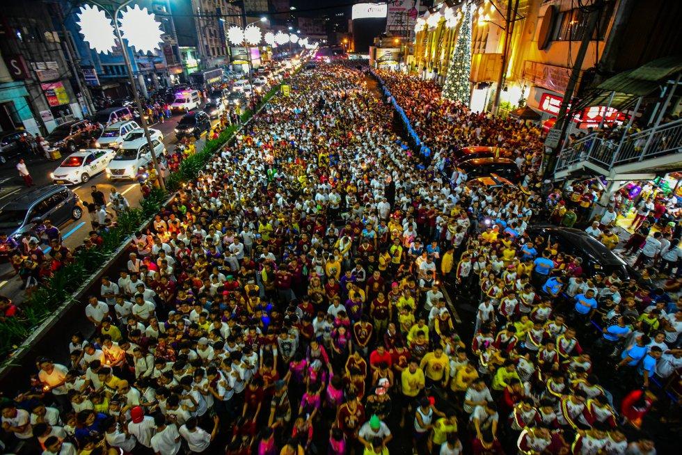 En Filipinas se reunieron cientos de devotos para celebrar la llegada del año nuevo