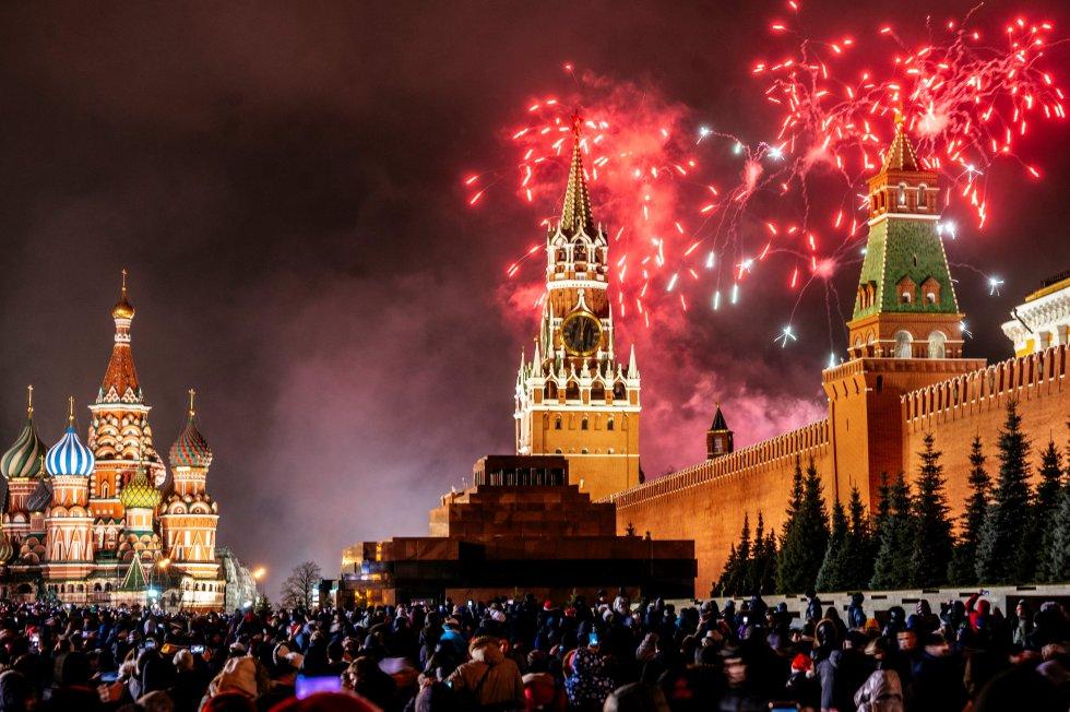 En Moscú, Rusia recibieron el nuevo año.
