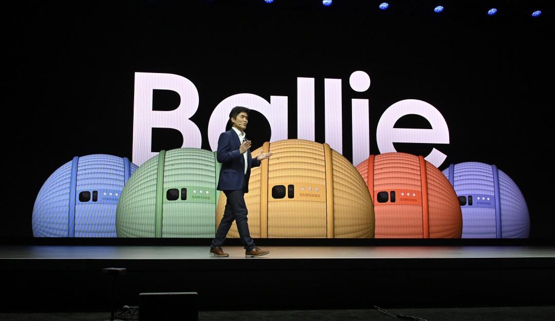 Ballie, el robot inteligente de Samsung con aspecto de pelota