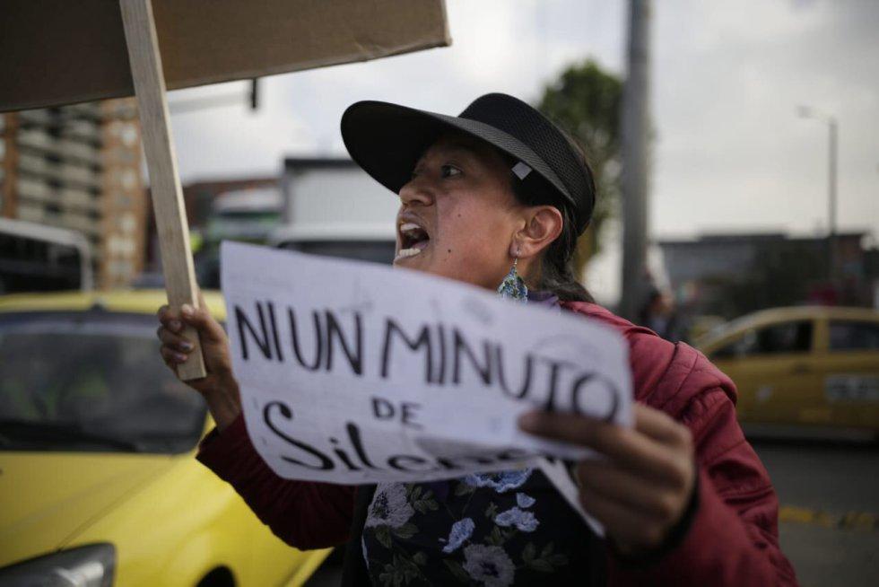 """""""Ni un minuto de silencio"""" Gritan los manifestantes"""