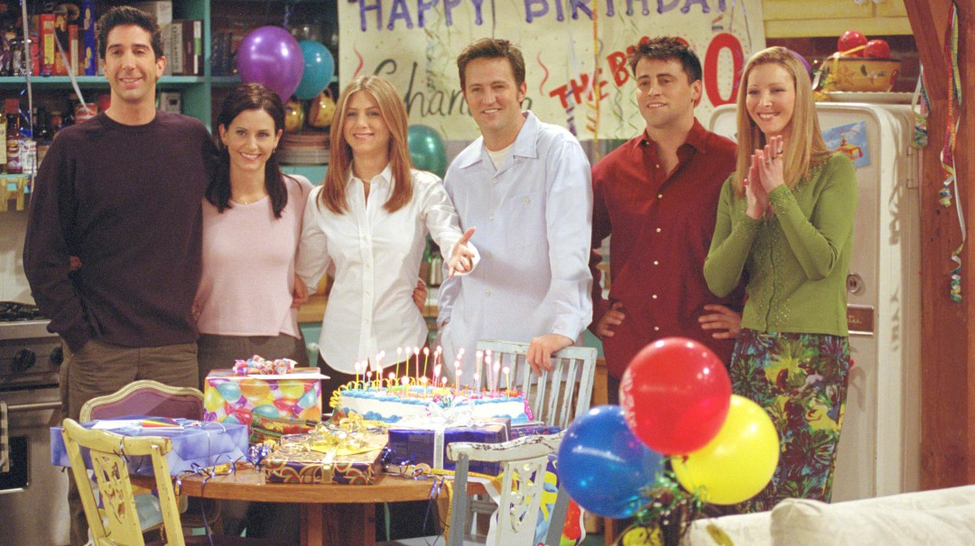 ¡Regresa Friends! Con esta foto integrantes del elenco dan la noticia