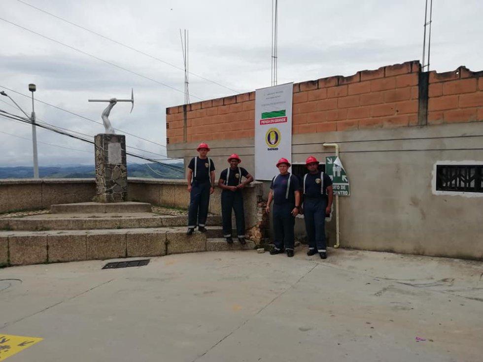 Los bomberos de Yalí, Antioquia, previenen los incendios: Los bomberos de Yalí, Antioquia, previenen los incendios