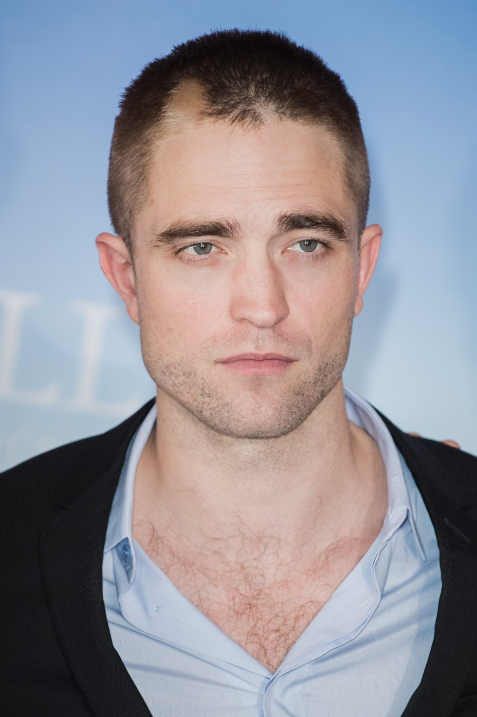 De acuerdo con el Centro de Cirugía Estética y Cosmética Facial Avanzada, en Londres, Pattinson posee una precisión del 92,15%de acuerdo a la Proporción Dorada de Beauty Phi, la cual, se basa en la armonia y proporción.