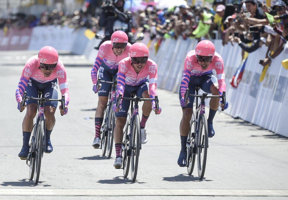 El equipo Education First, ganador de la primera etapa del Tour Colombia