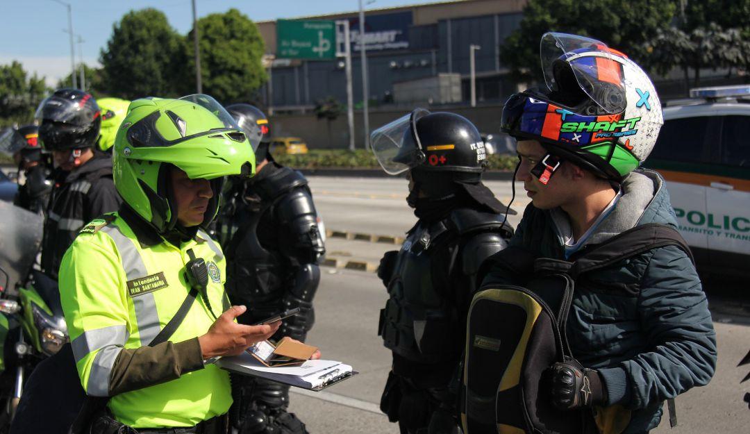 Noticias Bogotá: Pico y placa ambiental deja más de 500 ...