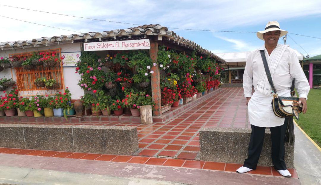 Flores a domicilio durante la celebración del Día de las Madres | Medellín  | Caracol Radio