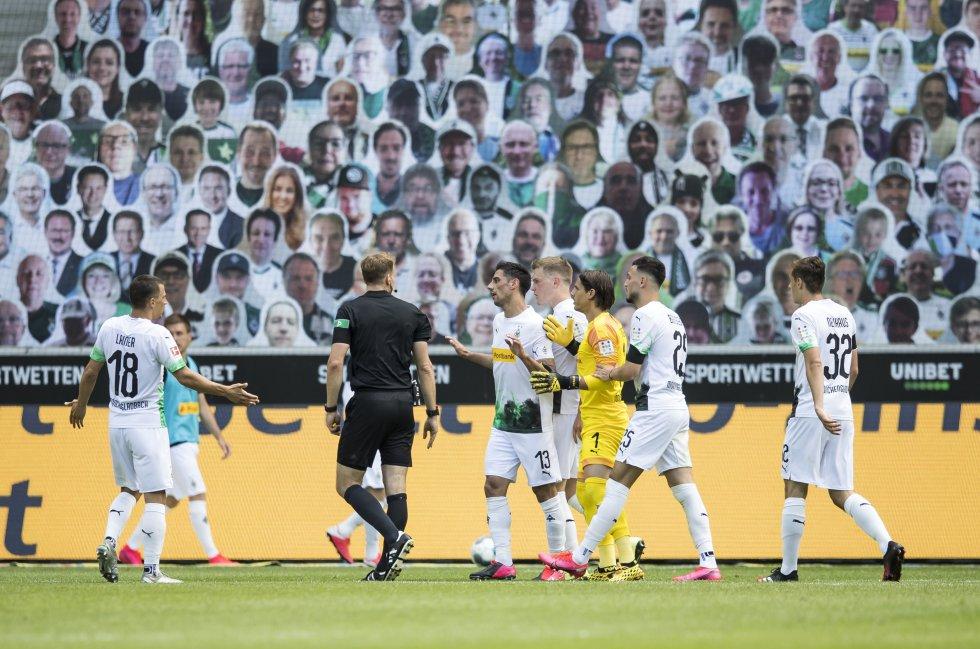 Entretanto, el Bayer Leverkusen ascendió a la tercera casilla del campeonato, pues ya suma 53 unidades.