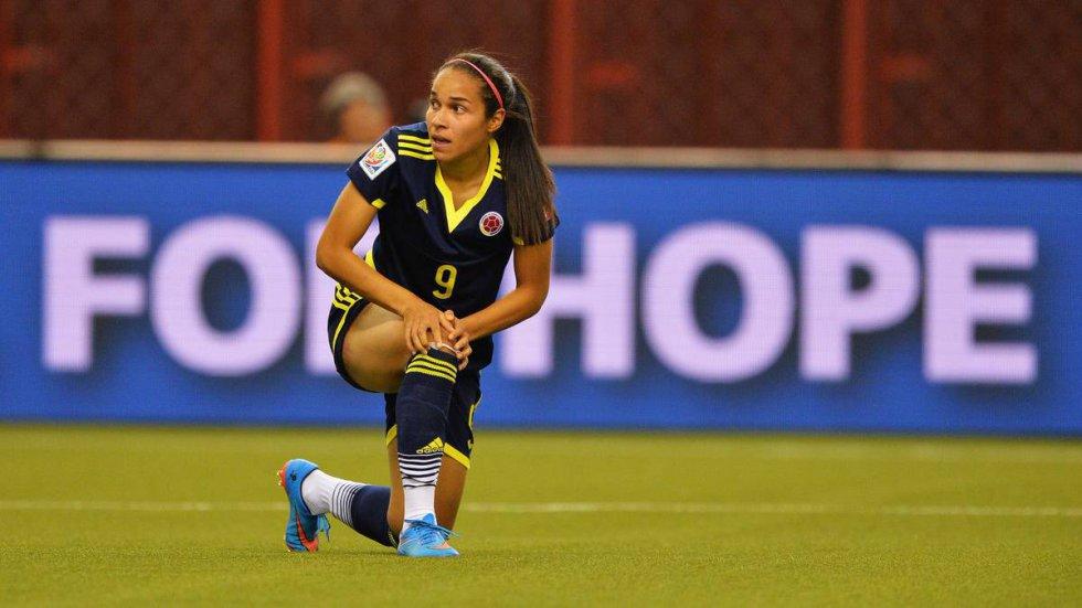 Medalla de oro con la Selección Colombia en los Juegos Panamericanos 2019. Destaca por su polivalencia y personalidad dentro del campo: en Medellín se desempeña como delantera, pero con la 'Tricolor' ha actuado como defensa.