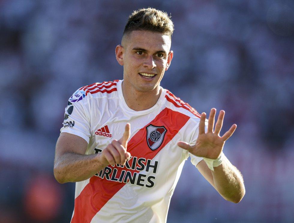 Llegó a mediados del 2017 y poco a poco se fue ganando un lugar en la titular de Marcelo Gallardo. Ya ha marcado más de 20 goles y fue campeón de la Copa Libertadores 2018 y la Recopa Sudamericana 2019.
