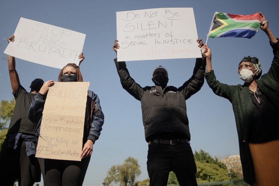 En Sudáfrica se unen a las manifestaciones contra el racismo