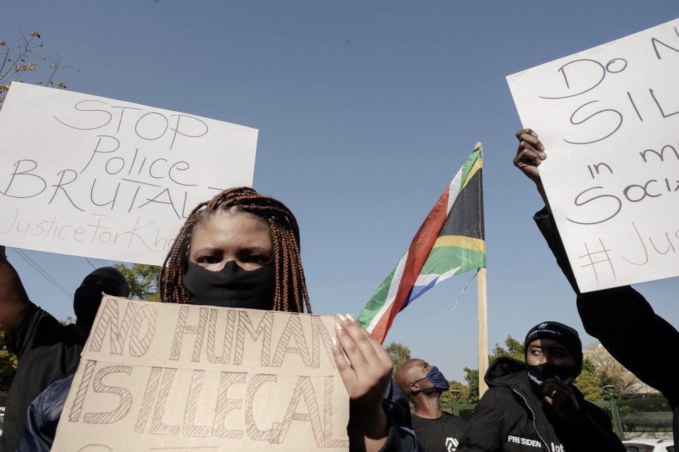 En apoyo a la muerte del afroestadounidense George Floyd
