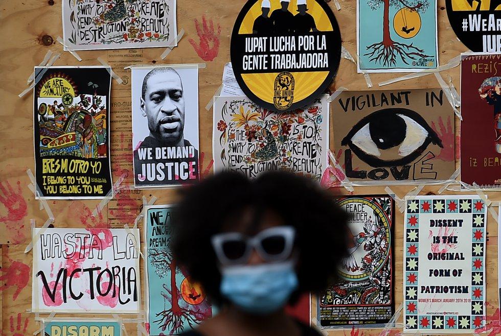 Varias ciudades en el mundo exigen justicia por la muerte de George Floyd.