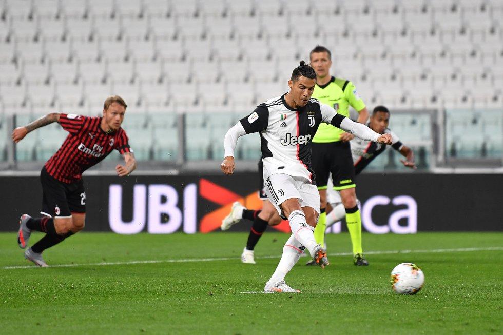 La iniciativa tomada por la Juventus dio sus frutos, y al minuto 16' tuvo la oportunidad de irse arriba en el marcador desde el punto penal con el cobro de Cristiano Ronaldo.