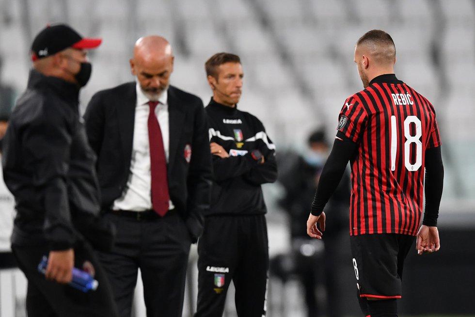 Justo después del cobro, el delantero croata Ante Rebić vio la roja directa por una fuerte patada a la altura del pecho de Danilo.