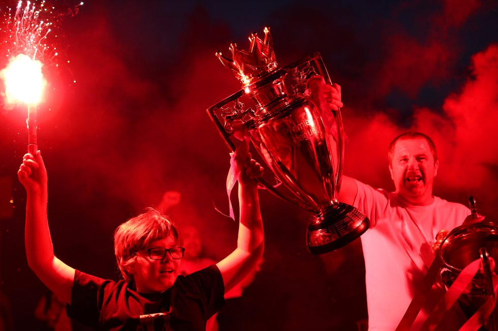 Liverpool alcanzó su título 19 en Liga inglesa y quedó a uno del Manchester United, máximo ganador de esta competición.