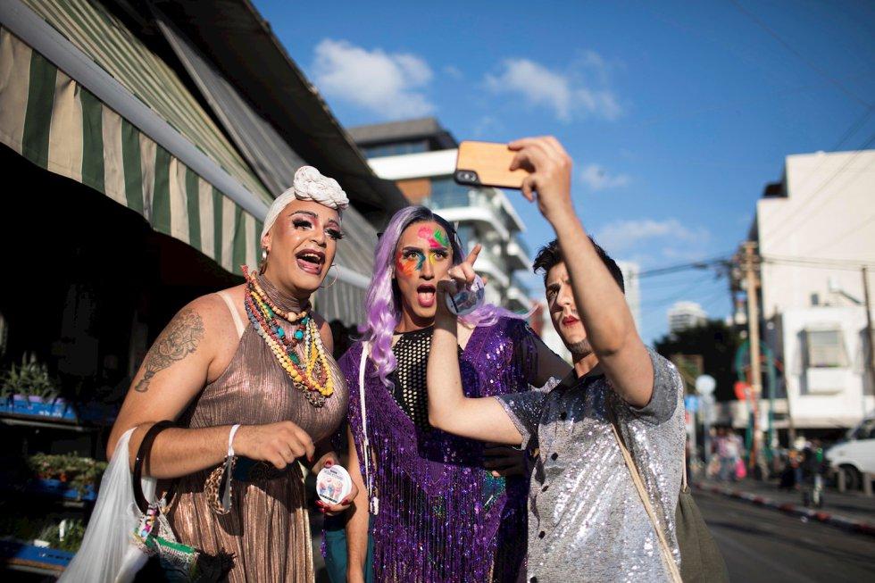 Espectáculo de drags, durante eun evento LGBTI, en Tel Aviv, Israel. Se realizó en reemplazo del desfile anual del Orgullo, cancelado a causa del COVID-19.