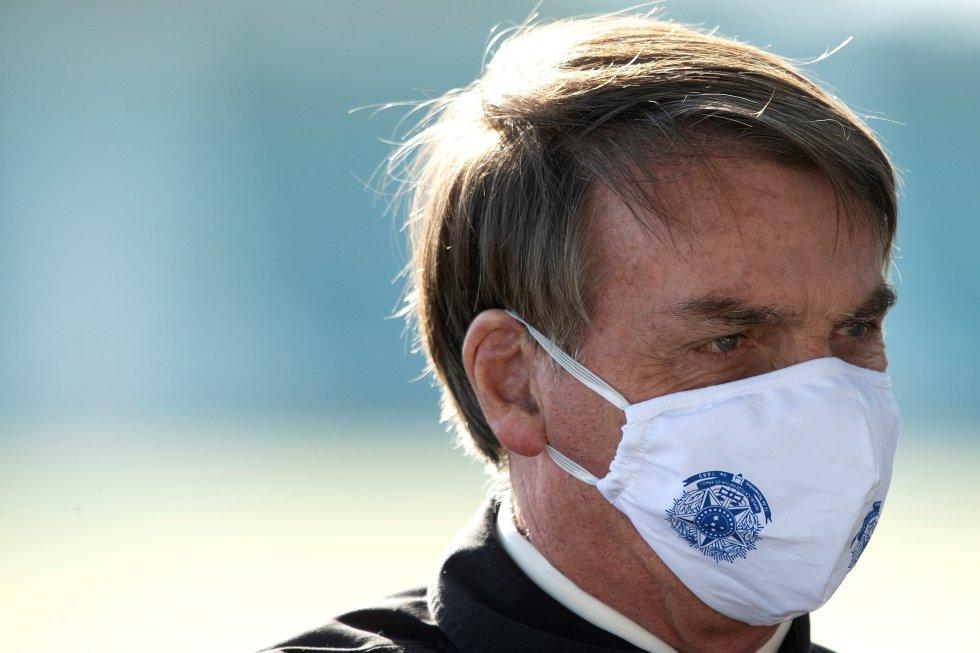 """El 24 de marzo, Jair Bolsonaro dijo que por sus antecedentes de atleta si él se contagiara de coronavirus no le preocuparía, pues el virus es solo una """"gripecita""""."""