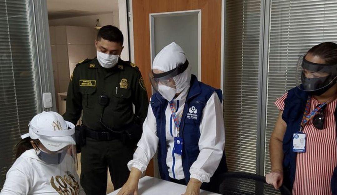 Noticias Colombia: La exgobernadora de La Guajira Oneida Pinto se entregó a las autoridades