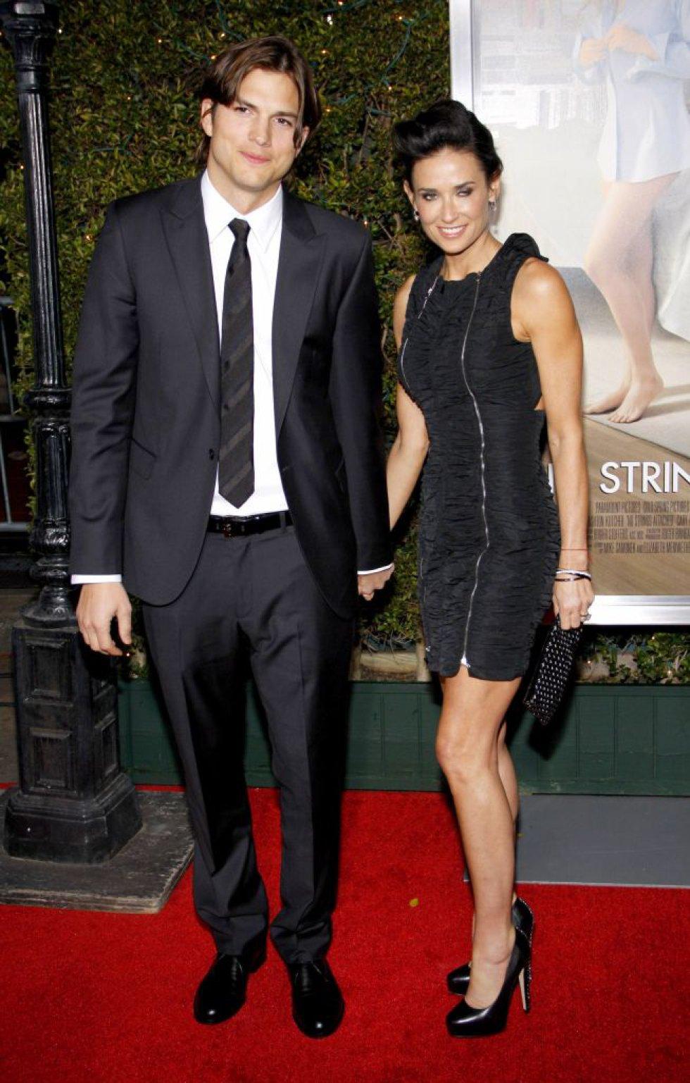 Demi Moore acusó a Ashton Kutcher de haberle sido infiel mientras estuvieron casados. Además, dijo que el actor la obligaba a hacer tríos sexuales.