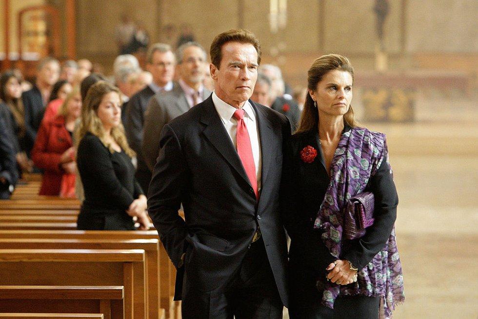 Arnold Schwarzenegger engañó a María Shriver con la empleada, a quien luego dejó embarazada.