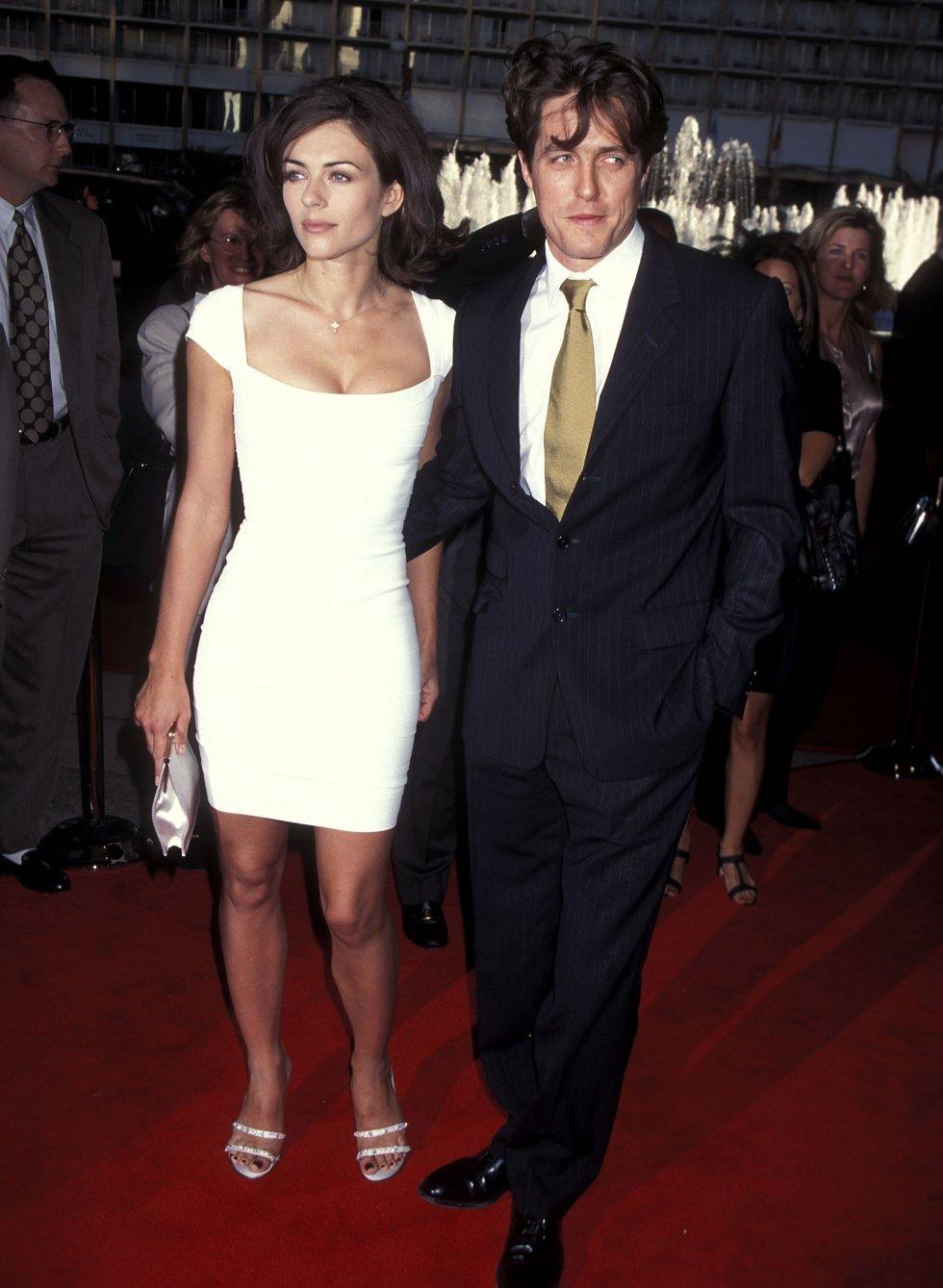 Hugh Grant tenía fama de ser mujeriego y su novia Elizabeth Hurley lo comprobó cuando el actor se involucró con una trabajadora sexual.