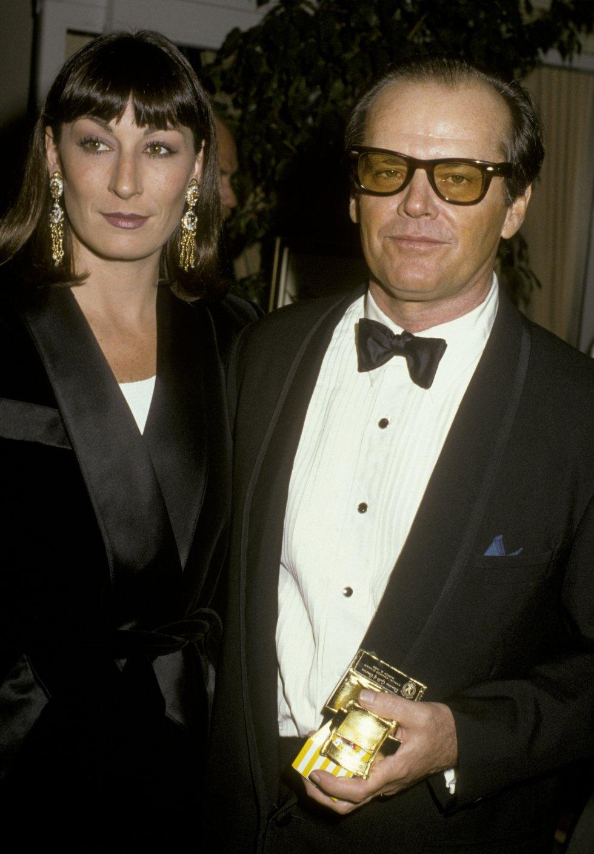 Jack Nicholson y Anjelica Huston se separaron luego de 17 años, luego de que el actor le fuera infiel con Rebecca Broussard.