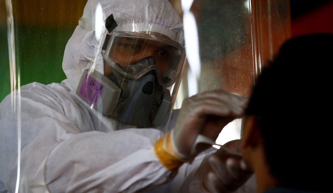 """OMS: """"quizás nunca haya una solución"""" para el coronavirus"""