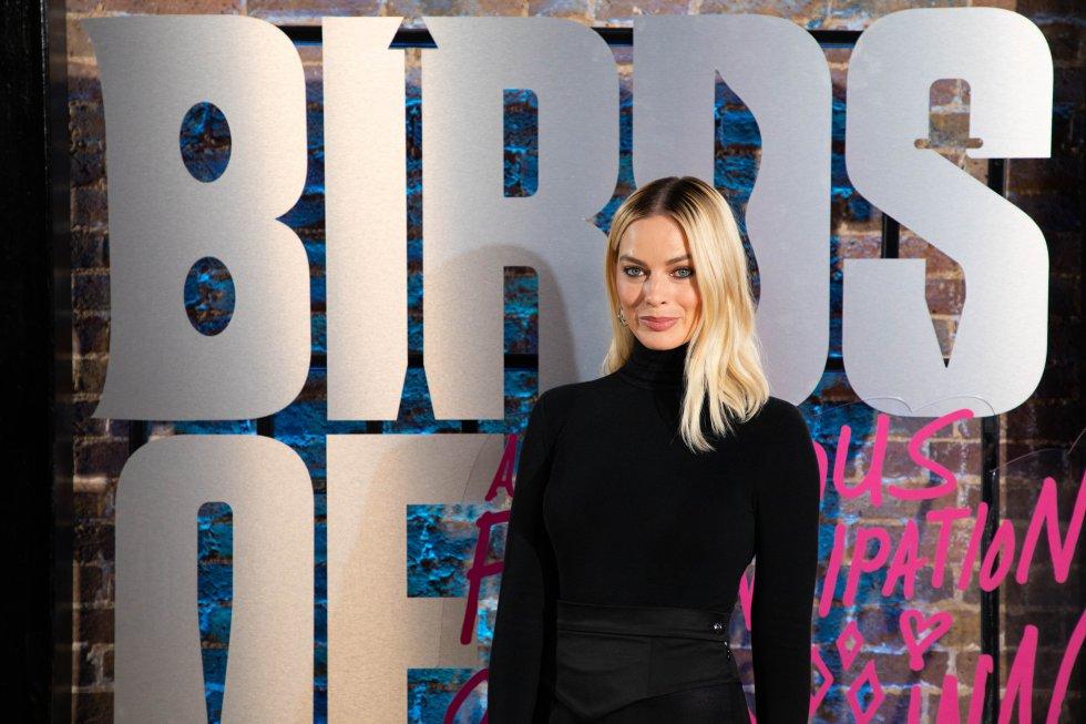 Margot Robbie se consolidó en esta industria con su papel de Harley Quinn, el interés amoroso del Guasón en el Universo Extendido de DC Comics. Participó en las cintas de Escuadrón Suicida y Aves de Presa