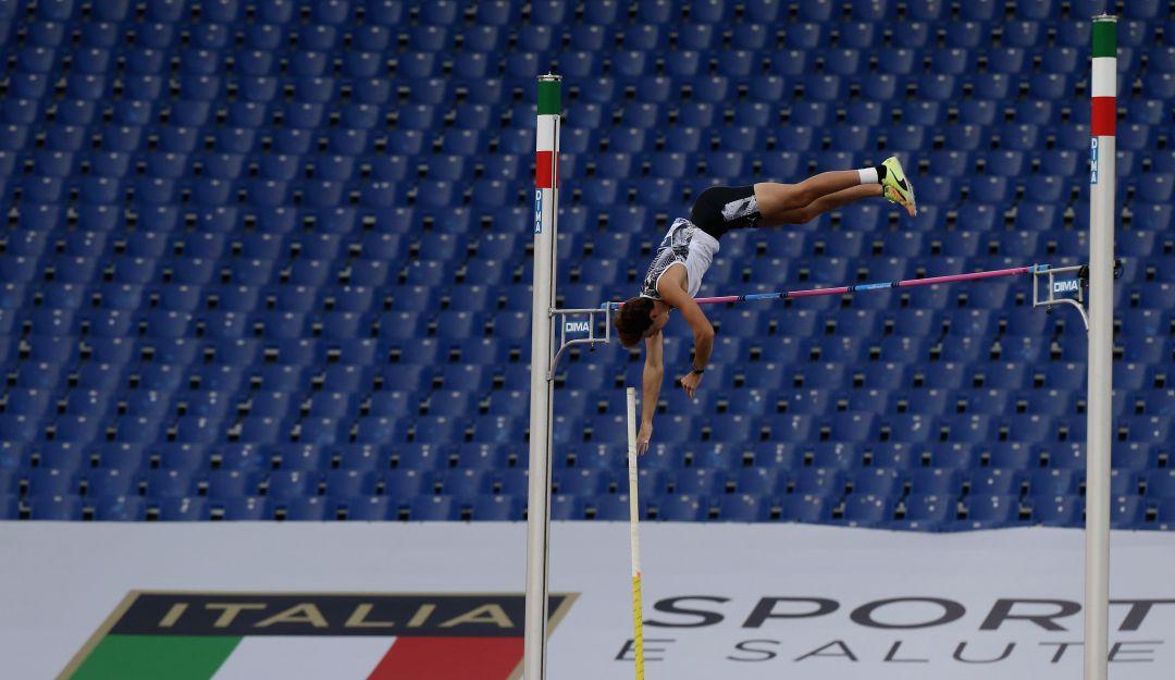 Duplantis: Duplantis establece récord de todos los tiempos de salto con pértiga