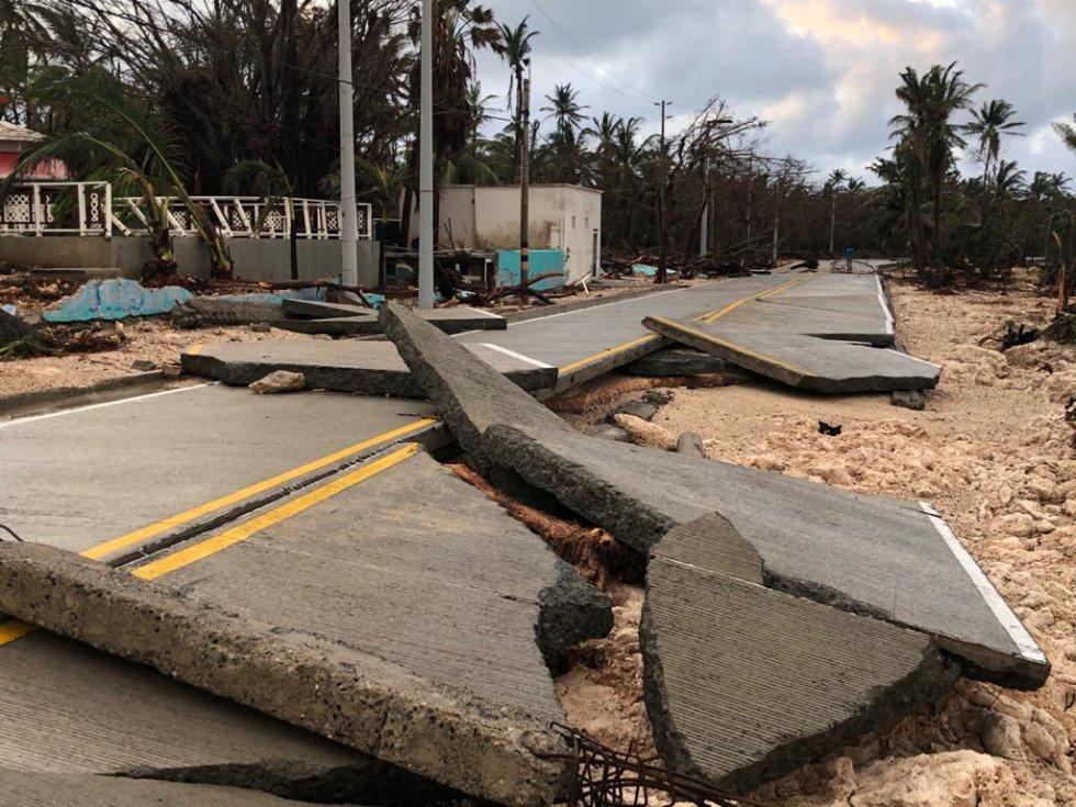 Las vías fueron cerradas debido a los estragos que dejó el huracán.