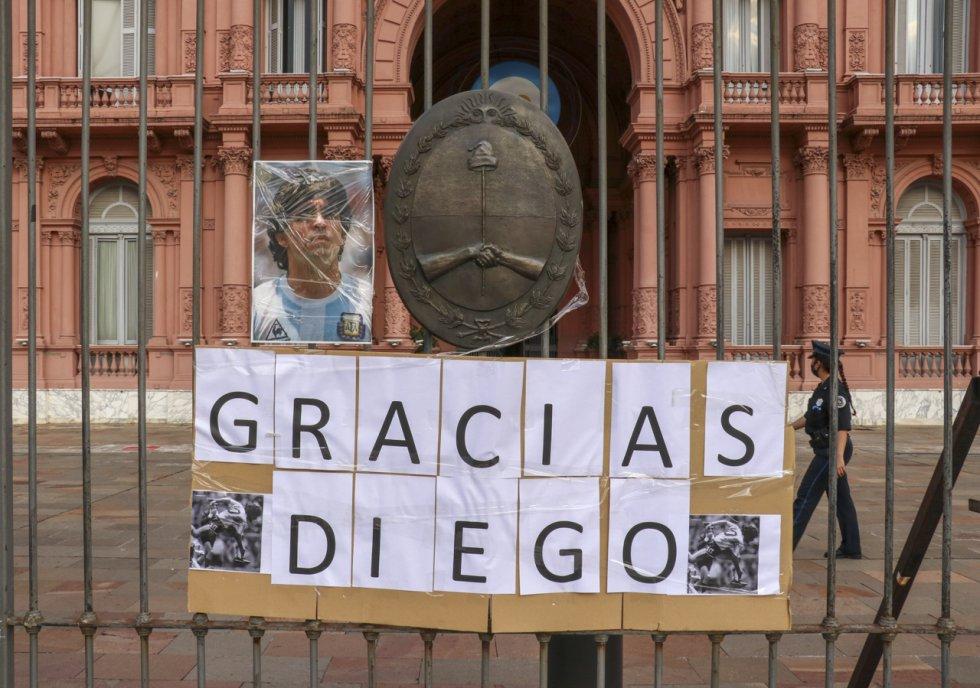 Muerte Diego Maradona: La multitudinaria despedida a Maradona en la Casa Rosada