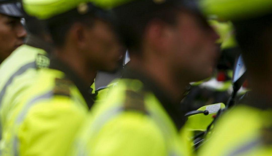 Vínculos con bandas delincuenciales: Capturan a 22 policías por supuestos  casos de corrupción en Medellín | Medellín | Caracol Radio