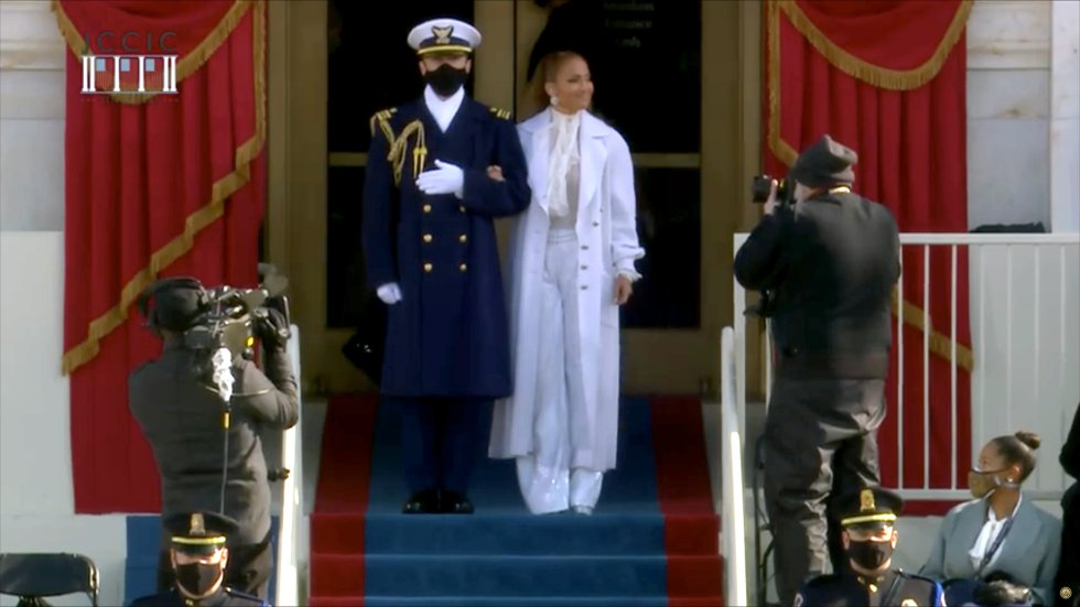 Así iba vestida Jennifer López.