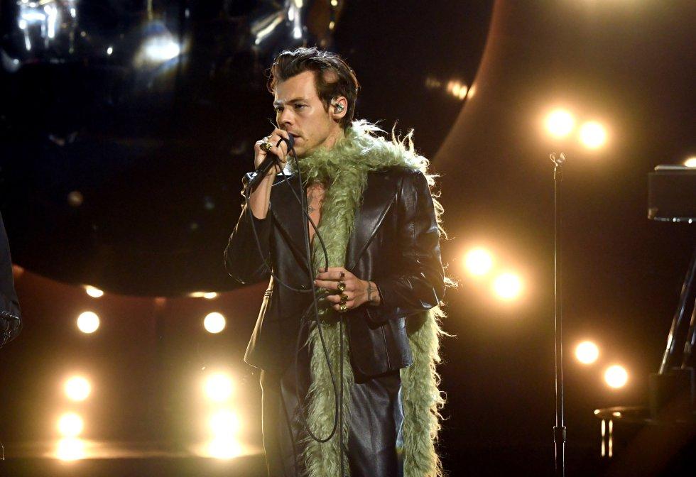 Presentación de Harry Styles, durante la ceremonia 63 de los premios Grammy