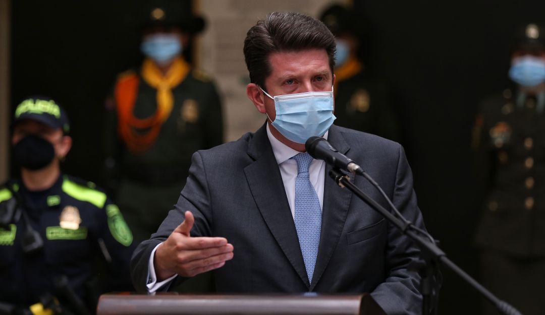 Control político: Cámara cita el 25 de mayo al MinDefensa, Diego Molano, a  moción de censura | Política | Caracol Radio