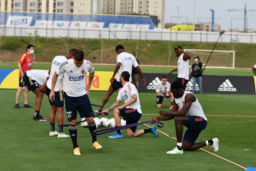 Los jugadores de la Selección hacen trabajo de recuperación.