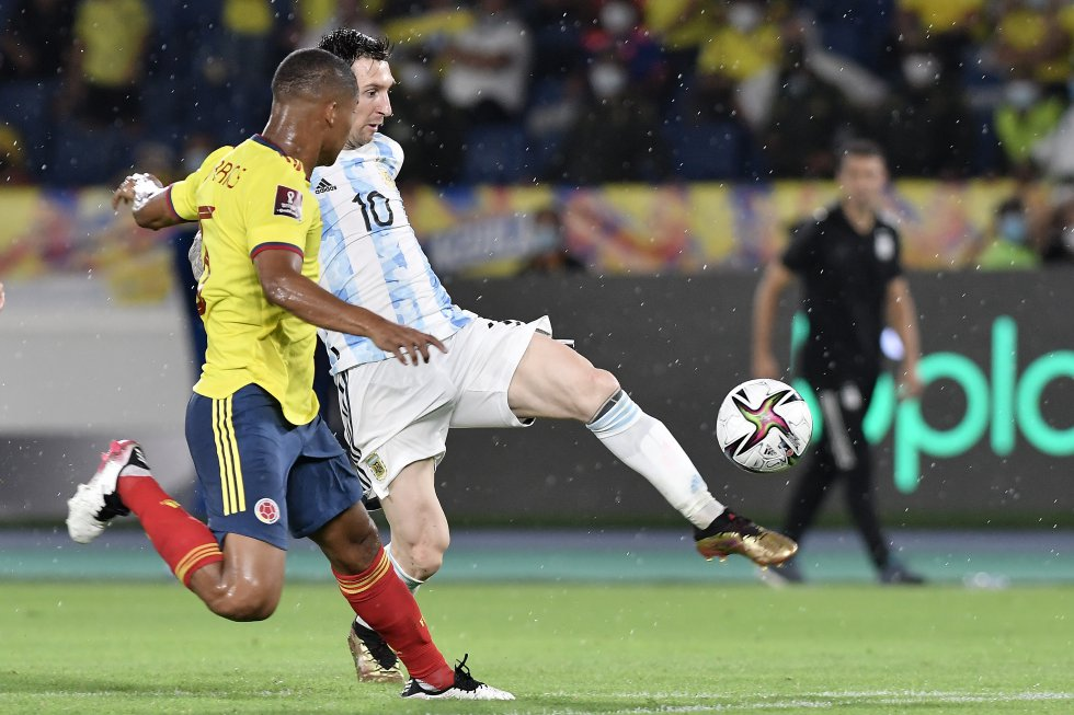 Lionel Messi y Wilmar Barrios