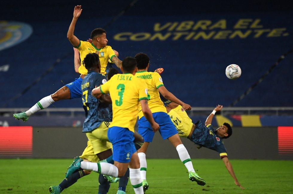 Gol de Luis Díaz frente a Brasil