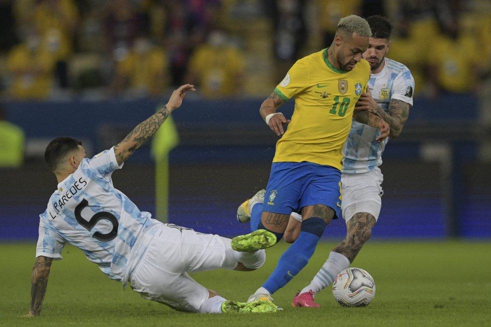 Neymar, Leandro Paredes y Rodrigo De Paul