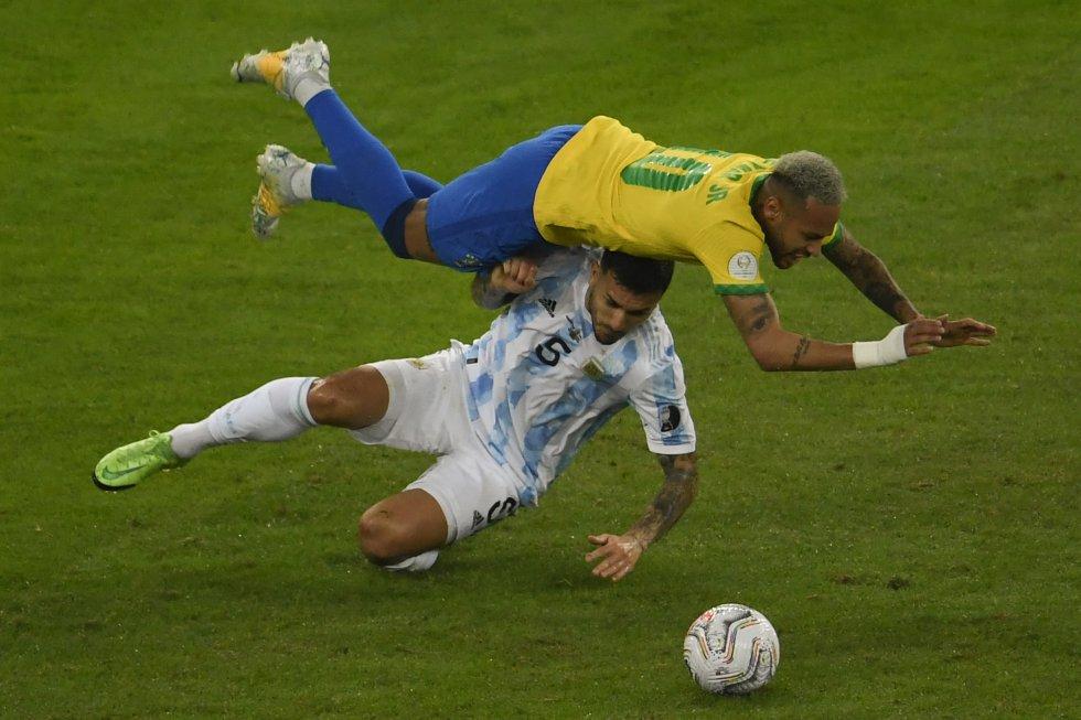 Leandro Paredes y Neymar