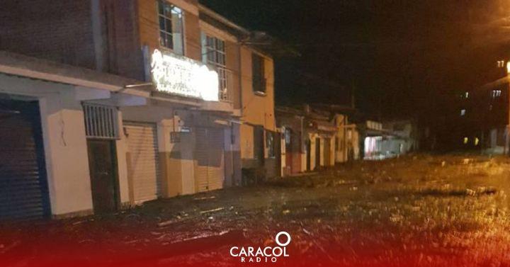 (VIDEO): Evacuación preventiva de Mocoa por creciente súbita del río Mulato   Regional    Caracol Radio