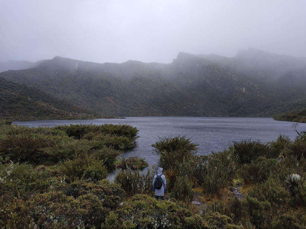 Las lagunas de Siecha, tres cuerpos de agua ubicados en lo más alto de Chingaza, fueron territorios sagrados para los muiscas. Allí depositaban ofrendas doradas a los dioses y hacían pagamentos