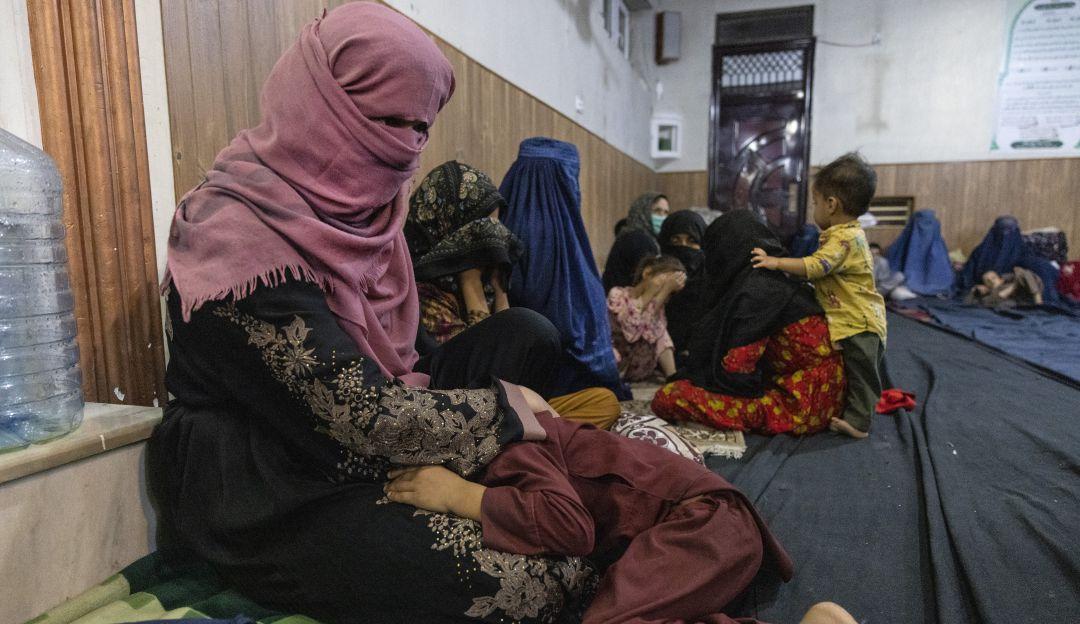 Talibanes en Afganistán: ¿Qué les espera a las mujeres afganas bajo un  gobierno talibán? | Internacional | Caracol Radio
