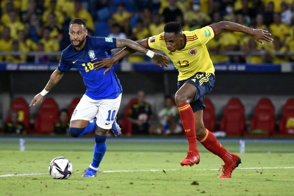 Yerry Mina y Neymar tuvieron un duelo particular durante los 90 minutos.